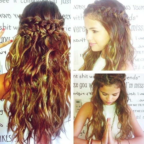 Selena Gomez Curly Hair Google Search On We Heart It