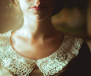girl, vintage, and lace image