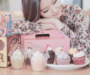 cake, cupcake, and girl image
