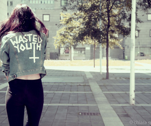 girl, fashion, and wasted youth image