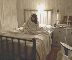alone, bed, and girl image