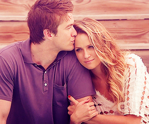 couple and oth image