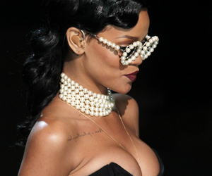 beaty, pearl necklace, and rihanna image