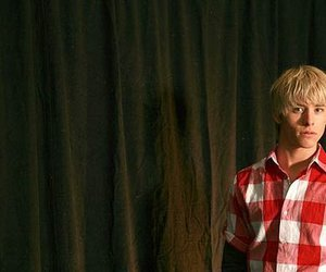 maxxie, mitch hewer, and maxxie oliver image