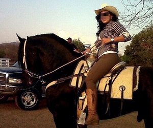 4x4, caballo, and Cowgirl image