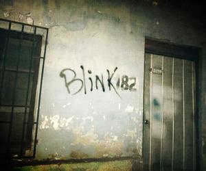blink 182 and blink-182 image