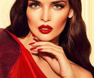 make up and red image