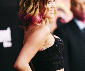 miley cyrus, smile, and flawless image