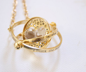 necklace, photography, and timeturner image