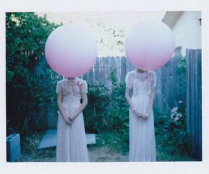 girl, vintage, and balloon image