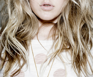 girl, lips, and blonde image