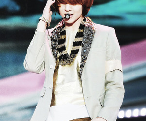 asian, fashion, and Onew image