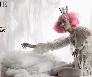 korea, pink, and vogue image