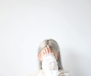 white, hair, and soft grunge image