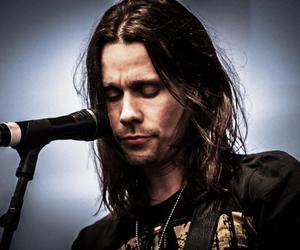 alter bridge and myles kennedy image