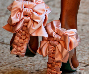 bow, bows, and pink image