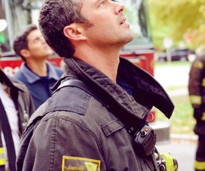 chicago fire, taylor kinney, and Hot image