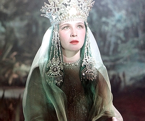 crown, veil, and green image