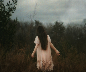 girl, vintage, and forest image