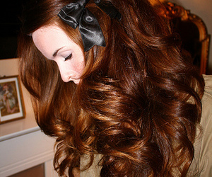 bow, brunette, and curls image