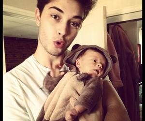 baby, sexy, and Francisco Lachowski image