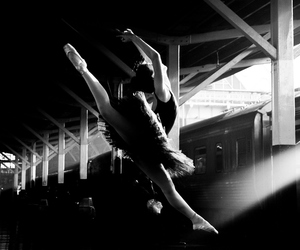 back, balance, and ballerina image