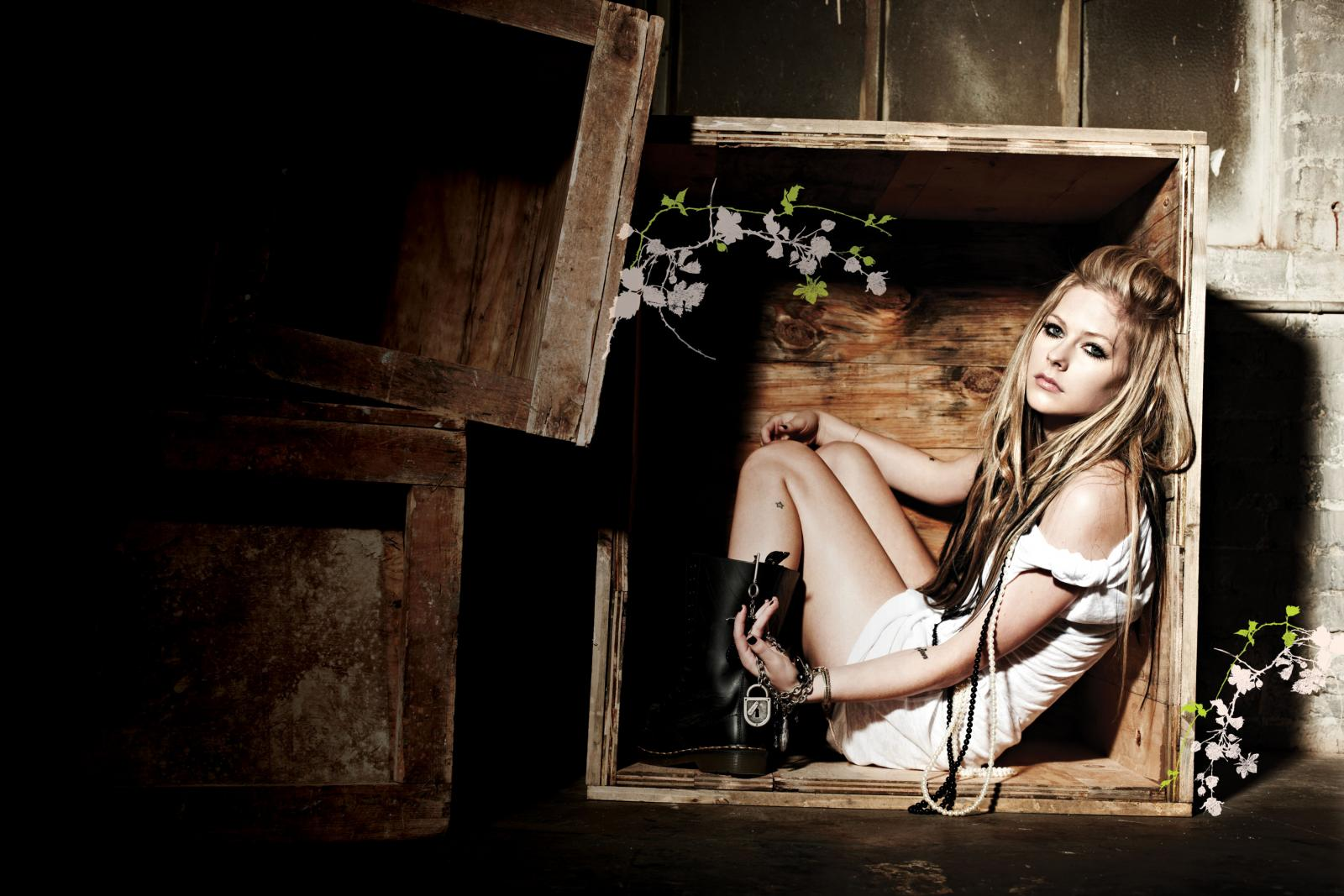 77 Images About Avril Lavigne On We Heart It See More About