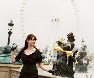 Anne Hathaway, cool, and the devil wears prada image