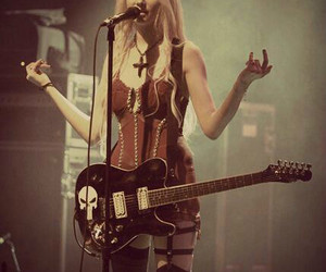 Taylor Momsen, rock, and the pretty reckless image