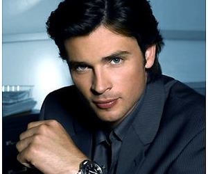 Hot, superman, and smallville image