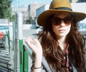 girl and sunnies image