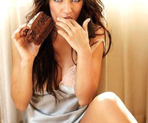 beautiful eyes, cake, and blue eyes image