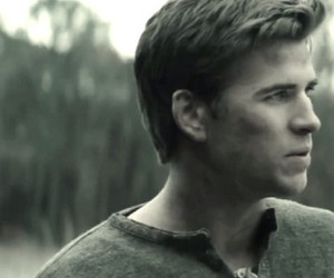 catching fire, the hunger games, and liam hemsworth image