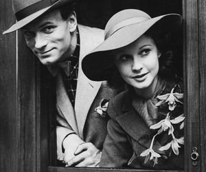 couple and vivien leigh image