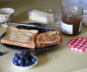jam and egg in a basket image