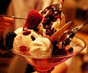 ice cream, food, and strawberry image