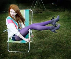 red hair, shoes, and meias coloridas image