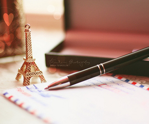 paris and Letter image