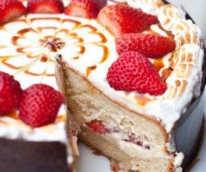cake, strawberry, and sponge cake image