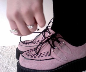 pale, pink, and creepers image