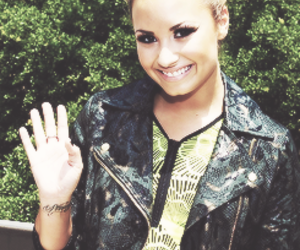 demi lovato, flawless, and perf image