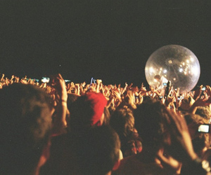 concert and people image