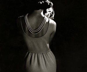 black and white, vintage, and pearls image