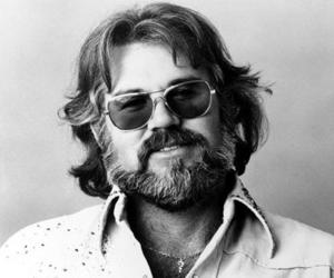 beard and kenny rogers image