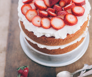 cake, delicious, and frosting image