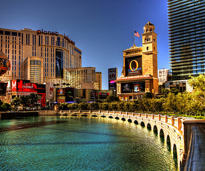 Las Vegas and photography image
