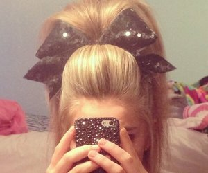 hair, blonde, and cheer image