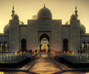 mosque and abu dhabi image