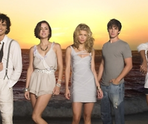 90210, annie, and lannie image