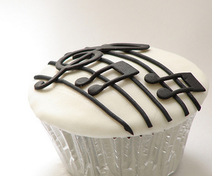 cupcake, photography, and music image